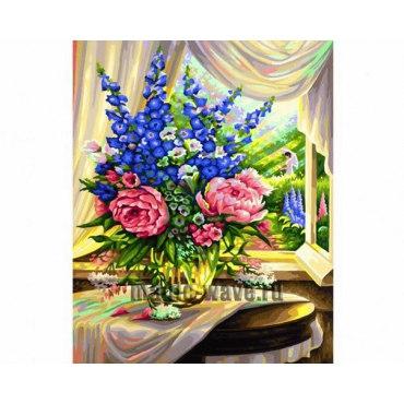 Цветы на столе