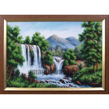 Вышивка бисером Водопад в горах