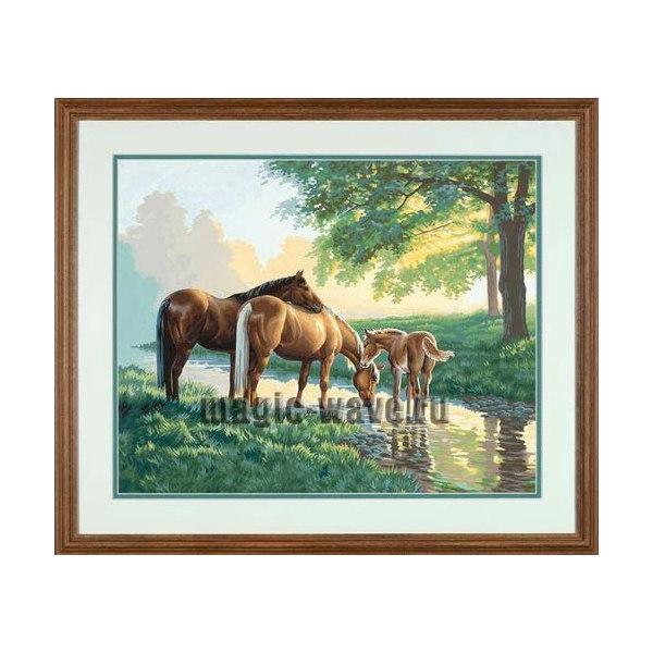Лошади у ручья