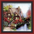 Дом в розовом саду
