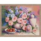 Натюрморт с розами (алмазная вышивка)